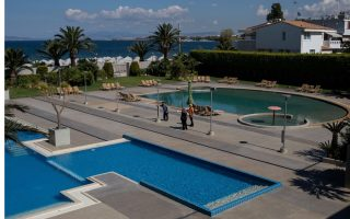 greek-hotels-reopen-to-an-uncertain-future