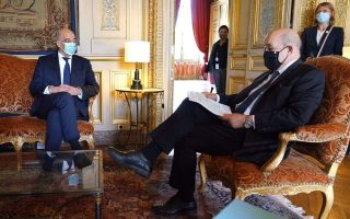dendias-le-drian-discuss-coronavirus-eastern-mediterranean-investments