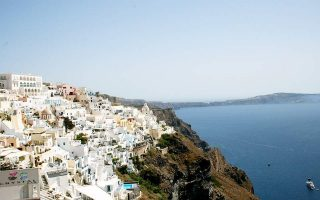 big-cleanup-operation-planned-for-santorini-s-old-harbor
