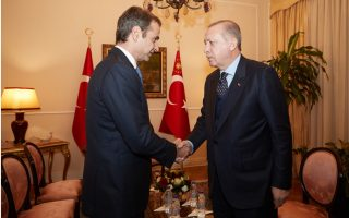 mitsotakis-erdogan-reach-out-in-phone-call