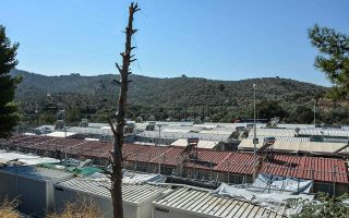 migrants-quarantined-in-separate-section-of-kara-tepe-camp