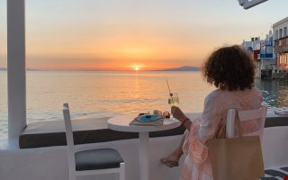 despite-risks-greek-islands-keen-to-reopen-to-tourists