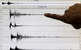 two-moderate-quakes-in-seas-off-greek-islands