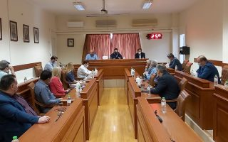 government-officials-visit-xanthi-after-outbreak