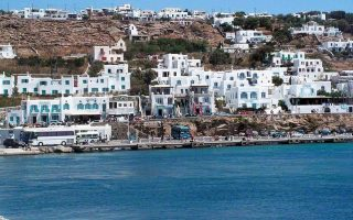 party-crackdown-on-mykonos-leads-to-one-arrest