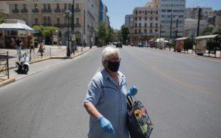 experts-advocate-face-masks-less-socializing-to-keep-coronavirus-at-bay
