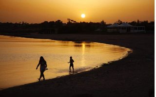cyprus-weighs-risks-of-luring-back-tourists0