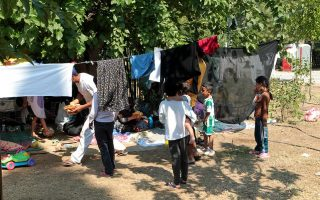 temporary-camp-proposed-for-migrants-from-islands