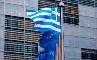 brussels-forecasts-slightly-smaller-recession-for-greece