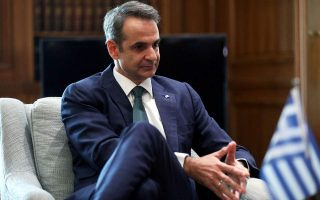 pm-urges-greeks-not-to-let-their-guard-down-with-coronavirus0