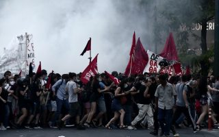 greece-passes-law-regulating-demonstrations