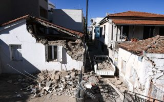 most-buildings-on-samos-temporarily-uninhabitable0