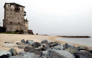 mount-athos-closes-doors-to-pilgrims