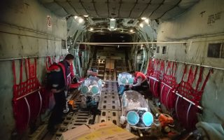 covid-19-patients-airlifted-to-athens-as-icu-demand-rises