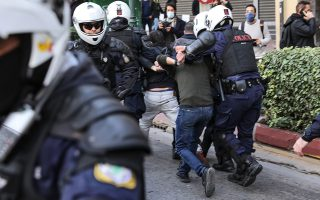 scuffles-break-out-between-protesters-police