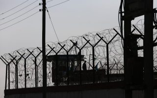 inmate-dies-from-covid-19-as-infections-in-diavata-prison-climb-to-108
