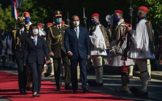 sakellaropoulou-egyptian-counterpart-review-presidential-guard