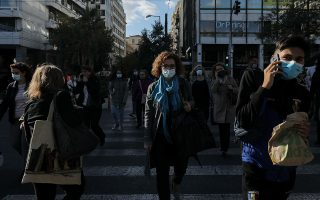 last-minute-shopping-city-exodus-causes-traffic-jams-in-athens