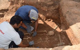 ancient-tombs-discovered-in-ilia-southern-greece