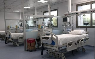 stavros-niarchos-foundation-donating-174-augmented-and-intensive-care-beds