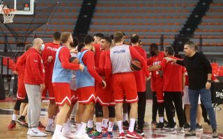 olympiakos-basketball-team-goes-into-isolation