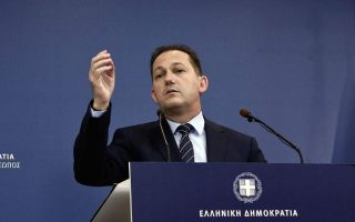 nd-syriza-cross-swords-over-health-system0