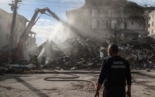 aegean-quake-toll-rises-to-116-as-turkey-ends-search0