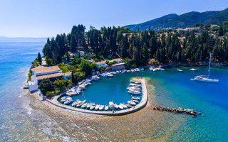 european-tourism-scrambles-to-salvage-summer-as-lockdowns-ease