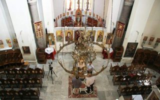 greek-orthodox-church-agrees-to-suspend-daily-services-sacraments-over-coronavirus0