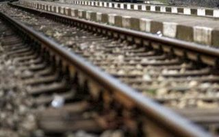 woman-killed-in-train-accident-in-western-athens