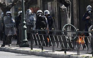 clashes-break-out-during-student-protest-in-central-athens