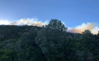 six-villages-in-ikaria-temporarily-evacuated-due-to-blaze