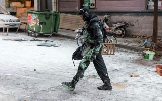 nine-face-prosecutor-after-raids-on-koukaki-squats