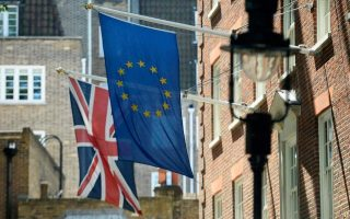 eu-citizens-without-settled-status-will-get-grace-period-after-brexit