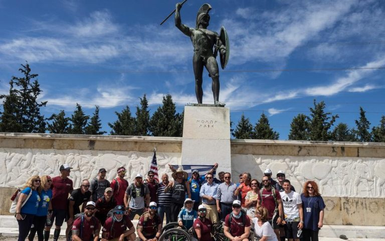 marines-follow-in-the-footsteps-of-leonidas0