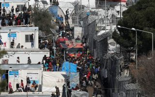 commission-approves-130-mln-euros-for-closed-migrant-centres-on-three-islands