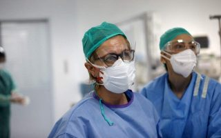 china-s-hainan-province-donates-surgical-masks-to-crete
