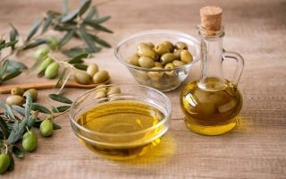 us-renews-tariff-exemptions-for-greek-olive-oil-cheese-wine0