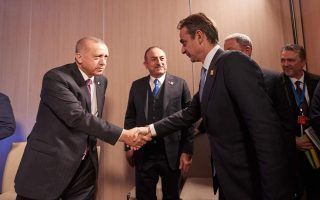 mitsotakis-to-erdogan-time-to-stand-together-in-deadly-quake