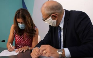 british-author-victoria-hislop-granted-honorary-greek-citizenship