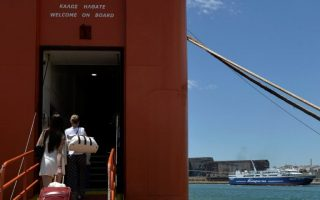 no-interest-in-greek-cyprus-ferry-link-ministry-says0