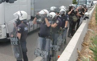 police-officers-protest-transfers-to-city-riot-units