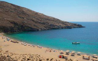 bid-to-create-greece-s-first-smoke-free-beach