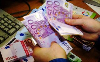 brussels-sends-330-mln-to-the-greek-market