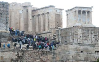 italians-beat-britons-in-march-bookings-for-greece
