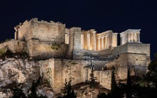 acropolis-showcased-by-new-lighting-system-video