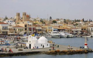 aegina-man-arrested-on-drug-weapons-antiquities-charges