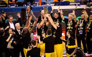 aek-breaks-greek-duopoly-to-win-the-cup