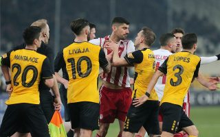 derby-stalemate-on-a-weekend-of-fan-clashes