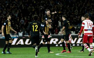 sports-digest-aek-goes-alone-on-top-of-super-league